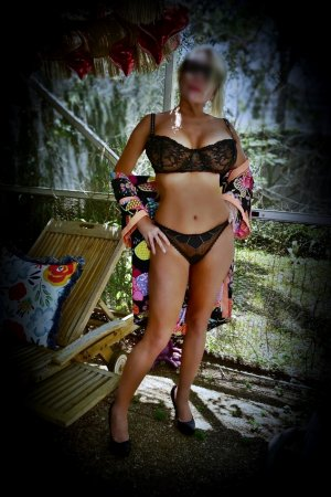 Clotide milf escort in Lawndale