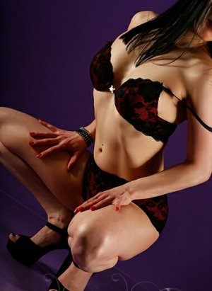Djill live escort in North Highlands California