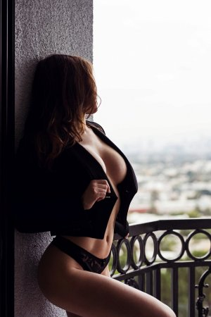Moisette outcall escort in Ottawa