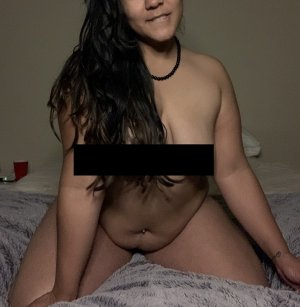 Camie escort girl in Vero Beach Florida