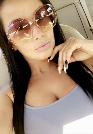 Blanche-marie call girl in Chino California
