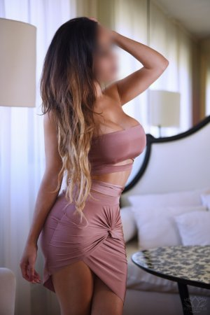 Chaili independent escort
